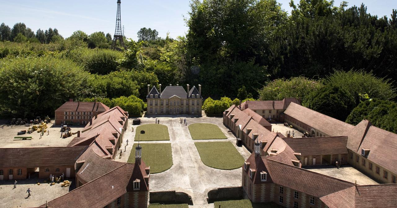maquette Haras National du Pin à France Miniature